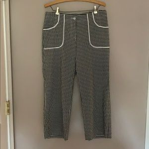 Wide legged cropped checkered dress pant